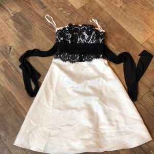 NWT $190 Lace Illusion A-Line Formal Dress 0
